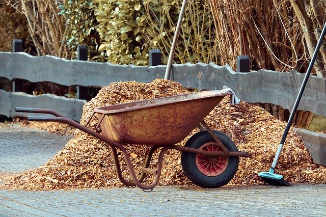 Awesome Spring Mulching Do's and Dont's